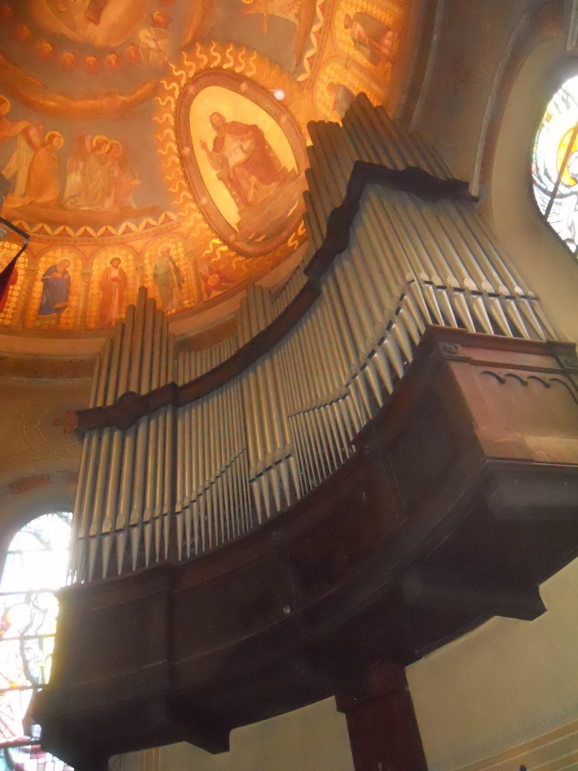 Organo Chiesa Redentore